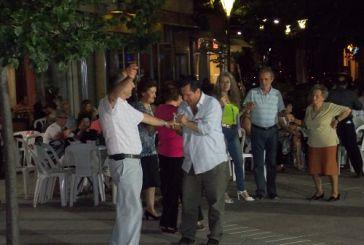 Κράτησαν για λίγο οι χοροί στη λαϊκή γιορτή (video)