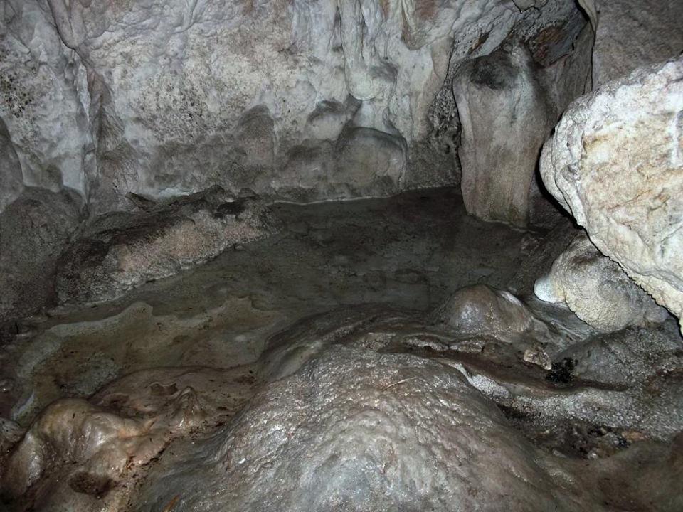 Σπήλαιο του Οσίου Ανδρέα στην Κανάλα Βάλτου (Χαλκιόπουλο)