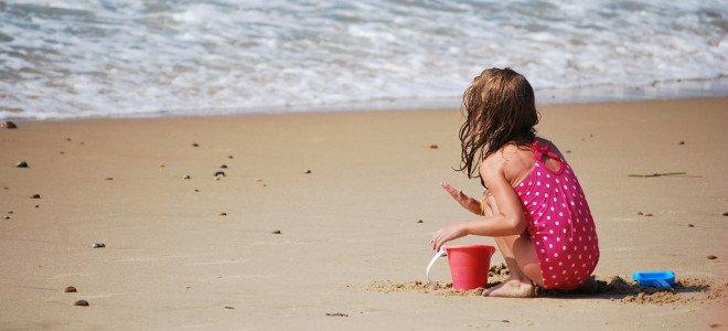 Η συνέχεια στην υπόθεση του  59χρονου που κατηγορείται ότι φωτογράφιζε ανήλικη στην παραλία στο Μενίδι