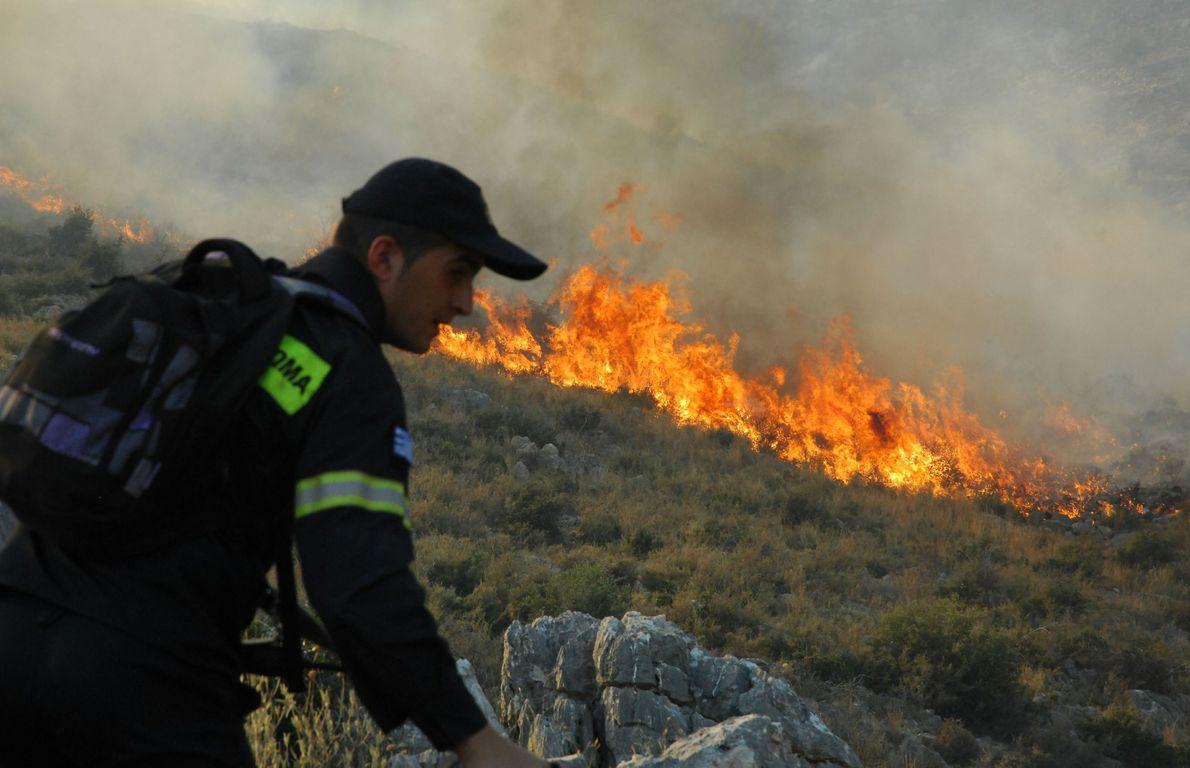 Κατάσβεση φωτιάς στην Αστροβίτσα Αιτωλικού