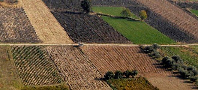 Στην Αιτωλοακαρνανία ο ΕΝΦΙΑ μετέτρεψε τα χωράφια σε… παλάτια