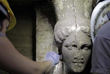 Εντυπωσιακά ευρήματα στην Αμφίπολη: Δύο καρυάτιδες στόλιζαν τον τάφο (φωτό)