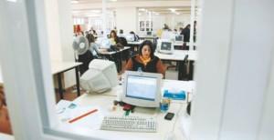 Τι αλλάζει για προσλήψεις, μετατάξεις «διαθέσιμων», γονικές άδειες, αναγνώριση προϋπηρεσίας υπαλλήλων (νομοσχέδιο)