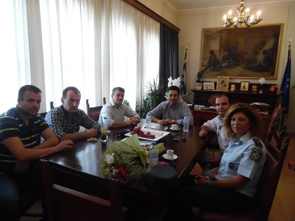 Τι συζήτησαν οι αστυνομικοί με τον δήμαρχο Αγρινίου