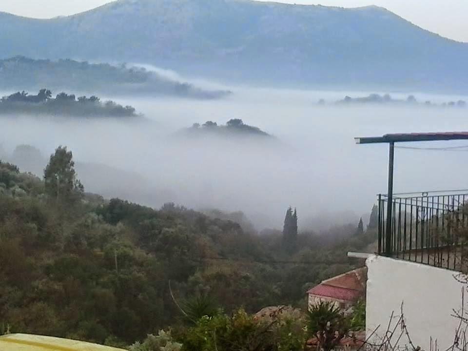 Το Ξηρόμερο πνιγμένο από την ομίχλη