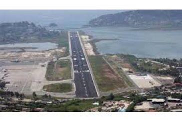 """Η Αριστερή Παρέμβαση για το """"ξεπούλημα"""" των Αεροδρομίων Ακτίου και Αράξου"""