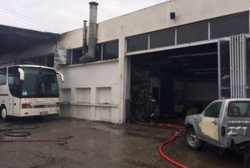 Ζημιές απο πυρκαγιά στην αντιπροσωπεία της Mercedes