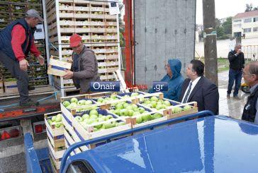 27 τόνοι μήλα για το κοινωνικό παντοπωλείο στο Μεσολόγγι
