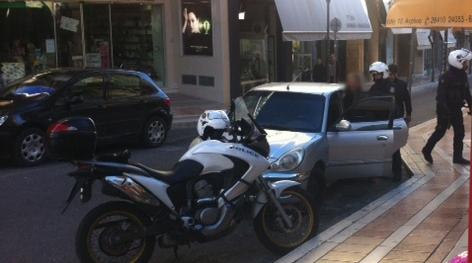 Τι αναφέρει η αστυνομία για τη ληστεία και τη σύλληψη στο κέντρο του Αγρινίου