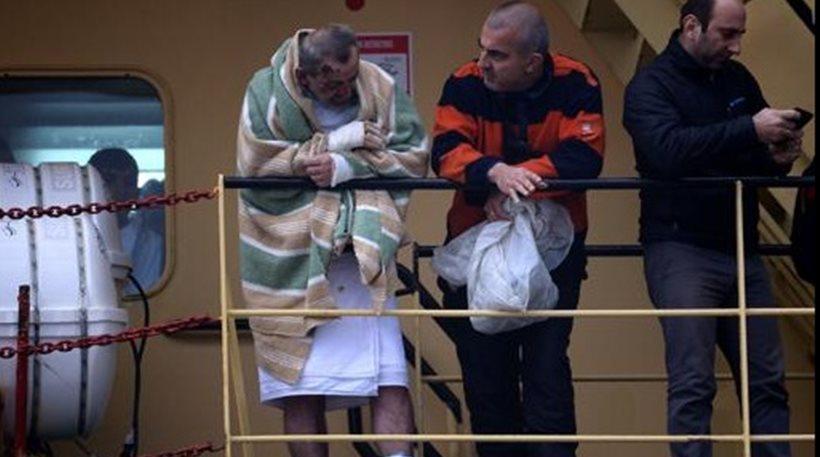 Μπάρι: Με καμένα πόδια αποβιβάστηκαν οι διασωθέντες