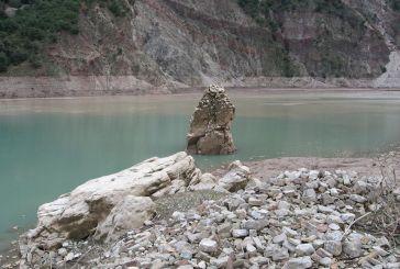 Όταν η στάθμη πέφτει στη  Λίμνη Κρεμαστών…