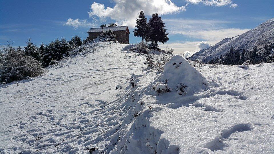 Τα πρώτα χιόνια στην Ορεινή Ναυπακτία (φωτό)