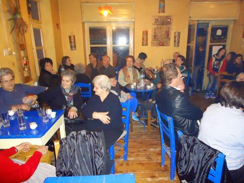 Με πολύ κόσμο τελέστηκε ο εσπερινός στον Άγιο Ευθύμιο Κωνωπίνας