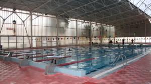Διαμαρτυρία «αγανακτισμένων γονέων» για το κολυμβητήριο Αγρινίου