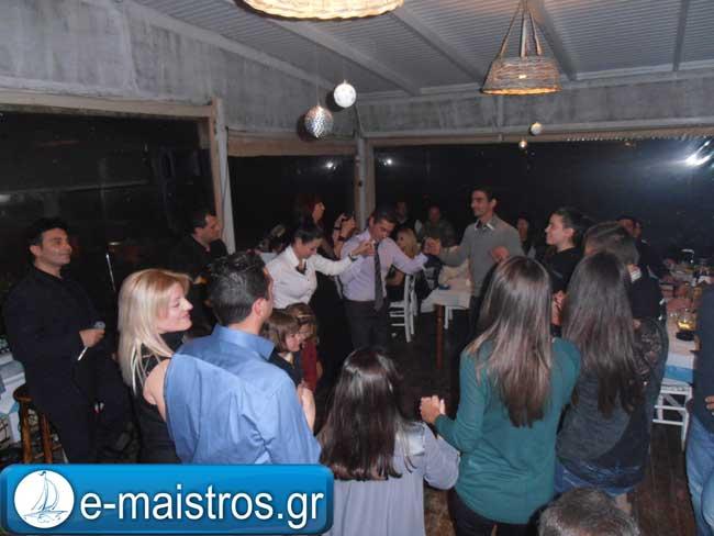 Σε μια κατάμεστη αίθουσα ο ετήσιος χορός του Παναμβρακικού Μπούκας