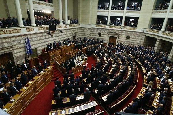 Άνεργοι και χωρίς επαγγελματική εμπειρία 49 από τους 300 της Βουλής