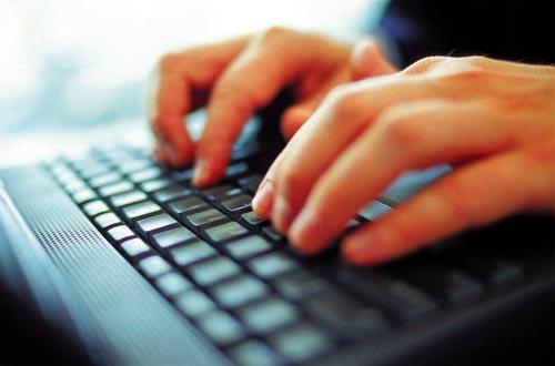 Πιερρακάκης: Πιθανόν να χαμηλώσουν οι ταχύτητες του ίντερνετ