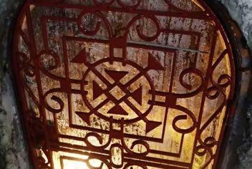 Η κλειδωμένη πόρτα στο Σπήλαιο Αγίας Ελεούσας που κρύβει μια πήγη…