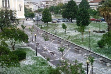 To έστρωσε… χαλάζι στο Αγρίνιο, ανησυχία για τις καλλιέργειες (φωτό-video))