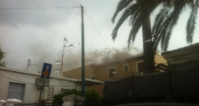 Φωτιά σε ξενοδοχείο στην παραλία Ψανής