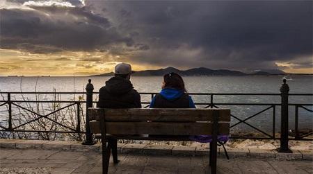 «Είμαστε με την Ελλάδα» και το παράδοξο των συντάξεων…