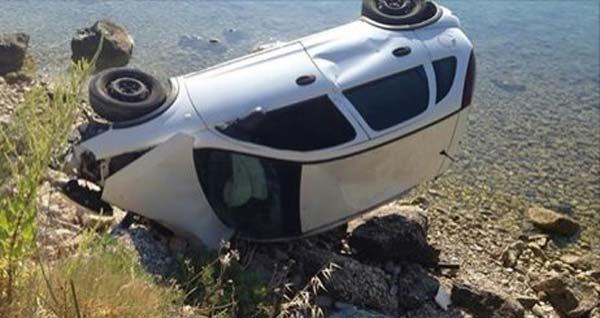 Τροχαίο ατύχημα στη Λυγιά – Αυτοκίνητο έπεσε στη θάλασσα