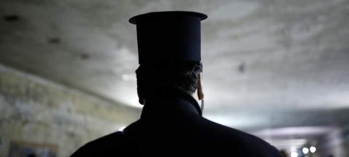 200 εκατ. ευρώ κάθε χρόνο για τη μισθοδοσία των κληρικών – Αναλυτικά οι αποδοχές τους