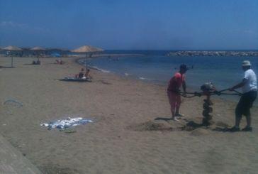 Τουρλίδα:  Κάλιο αργά, παρά ποτέ …ομπρέλες και αποδυτήρια