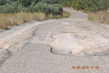 Τεράστιες λακκούβες (και) στο δρόμο Παλαιομάνινα – Στρογγυλοβούνι