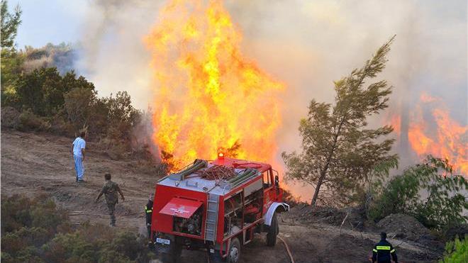 Η κακοκαιρία και οι κεραυνοί έφεραν… πυρκαγιές!Υπ' ατμόν η Πυροσβεστική