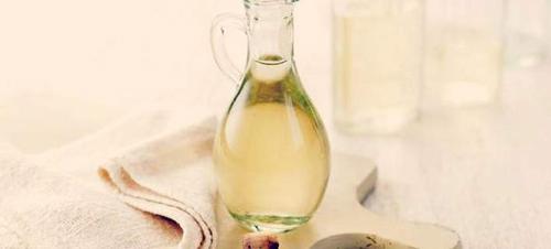 7 άγνωστες χρήσεις του ξυδιού -Καθαρίζει, γυαλίζει, διώχνει τα ζουζούνια