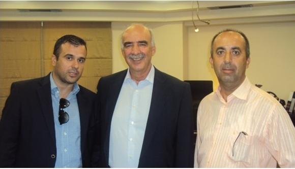 Στη φωτό ο πρόεδρος της Ένωσης Αστυνομικών Υπαλλήλων Ακαρνανίας Δημήτρης Ραυτογιάννης και ο γραμματέας της Αντώνης Κωστάκης με τον πρόεδρο της ΝΔ. Ευάγγελο Μεϊμαράκη
