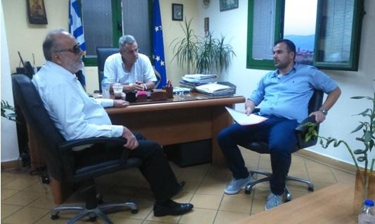 Ο Π. Κουρουμπλής με τον Αστυνομικό Διευθυντή Γ.Ματσούκα και τον πρόεδρο της Ένωσης Αστυνομικών Υπαλλήλων Δ.Ραφτογιάννη.ς