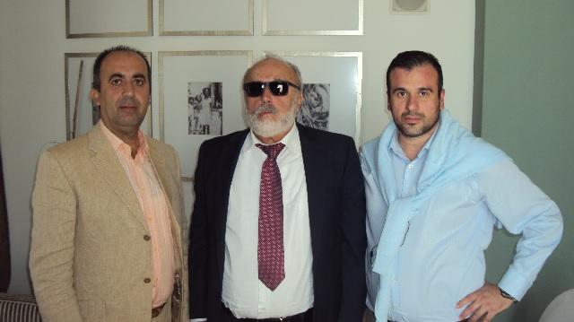 Στη φωτό ο Υπουργός Π.Κουρουμπλής με τον πρόεδρο της Ένωσης Αστυνομικών Υπαλλήλων Δ.Ραυτογιάννη και τον Γραμματέα της Αντώνη Κωστάκη.