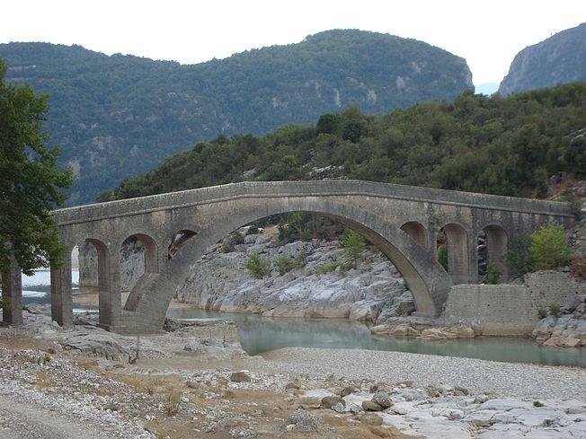 652px-Templa's_Stone_Bridge_01
