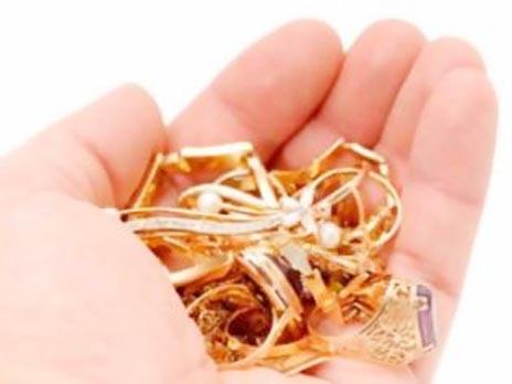 25χρονος κατήγγειλε κλοπή χρυσαφικών στο Αιτωλικό