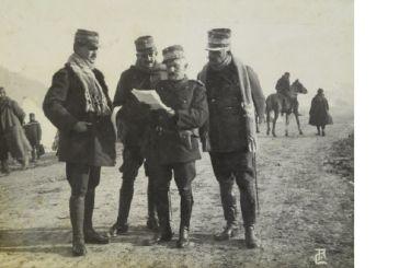 Όταν ο Αγρινιώτης στρατηγός Δαγκλής συσκέπτονταν εν ώρα πολέμου…