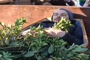 """Αγρότες: μετά τους """"τζιχαντιστές"""" του Κεφαλόβρυσου ήρθε η """"κηδεία"""" στον Προμαχώνα"""