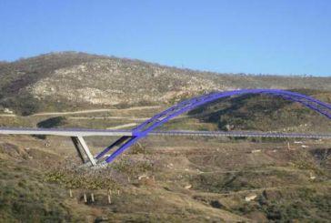 Ετοιμη η εντυπωσιακή γέφυρα της Τσακώνας –Αύριο οι εργασίες σύνδεσης