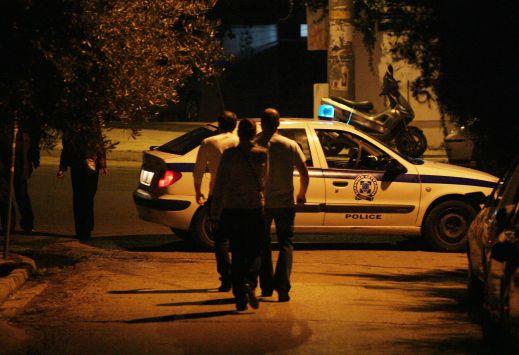 52χρονος τρόμαξε κόσμο, δάγκωσε αστυνομικούς και χτύπησε περιπολικό