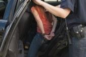 Φέρεται να χτύπησε ανήλικα παιδιά και συνελήφθη μια 48χρονη