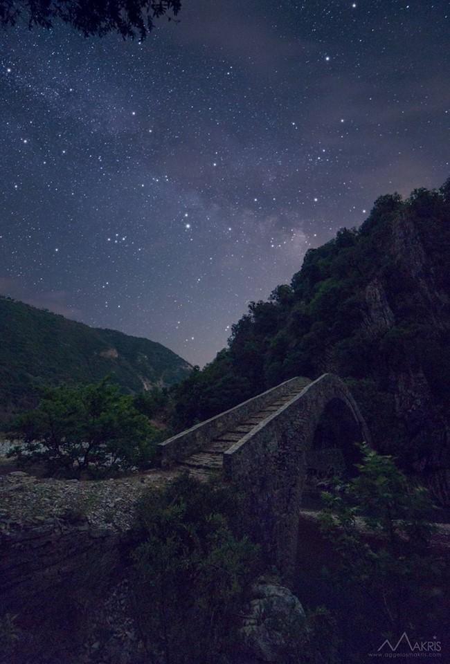 Aggelos-Makris-Nightscapes_Artotiva