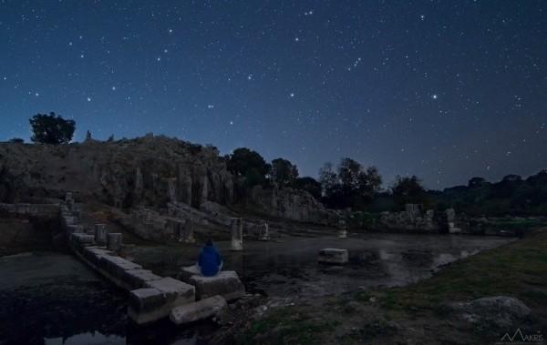 Aggelos-Makris-Nightscapes_Limani-Oiniadon-600x379