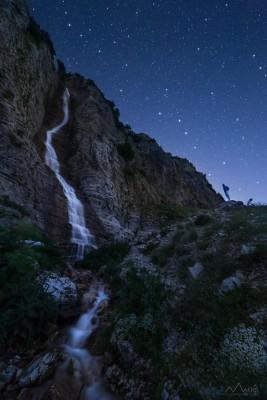 Aggelos-Makris-Nightscapes_kararaktis-kefalovryso_tzoumerka-267x400