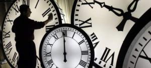Αλλαγή ώρας  Πότε θα γυρίσουμε τα ρολόγια μια ώρα μπροστά - AgrinioNews a66441bc818