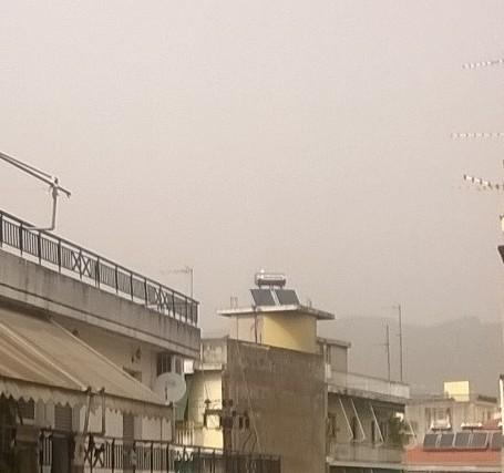 Τοπικές βροχές, μποφόρ και σκόνη από την Αφρική σήμερα