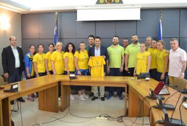 Την γυναικεία ομάδα χάντμπολ του Παναιτωλικού βράβευσε ο δήμαρχος