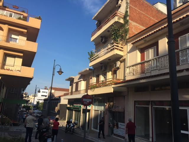 Αγρίνιο: Γυναίκα έπεσε από μπαλκόνι τρίτου ορόφου