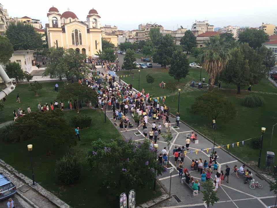 Πλήθος πιστών στον Ιερό Ναό Αγίας Τριάδας Αγρινίου