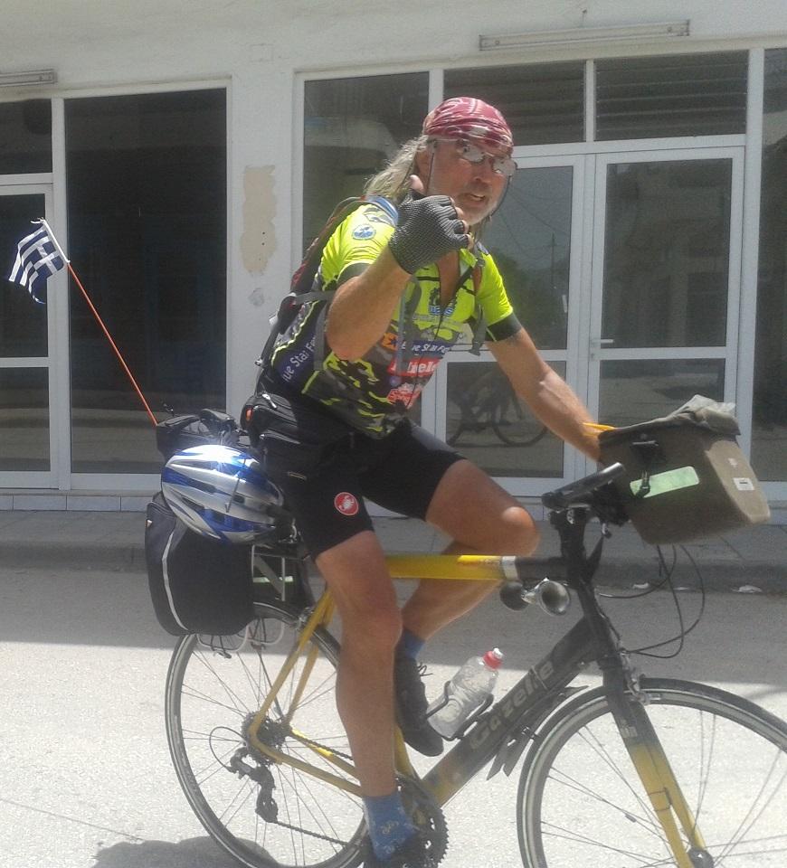 Στάση… Καλύβια για τον Ολλανδό ποδηλάτη